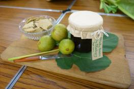 peters-fig-chutney