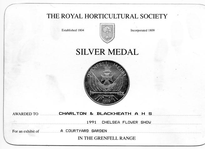 891Chelsea Courtyard Medal